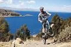 Tour de Bicicleta de Montana por el Lago Titicaca, 2 Días, 1 Noche